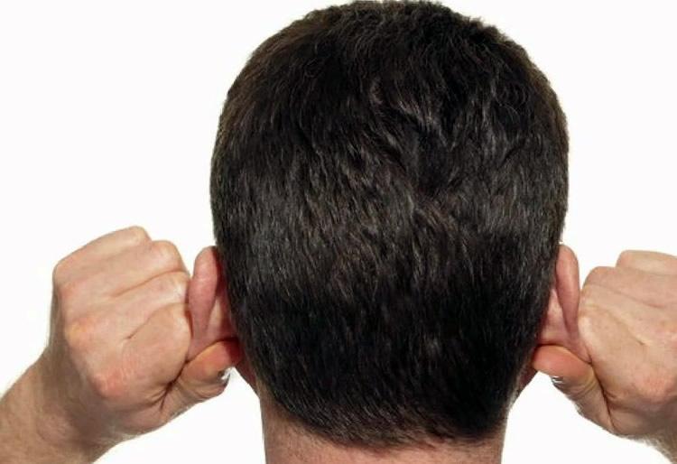 Разминание ушной раковины