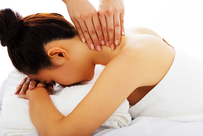 Массаж боковых мышц шеи
