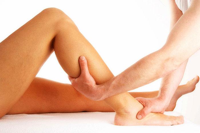 Процедура массажа нижних конечностей