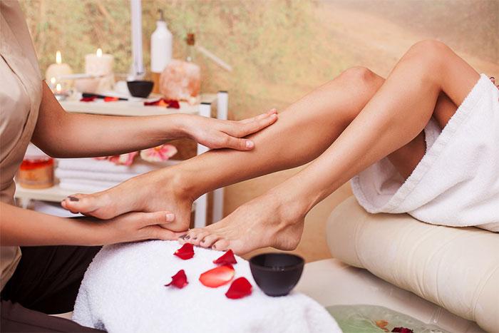Расслабляющий массаж икр и стоп