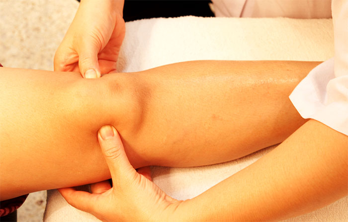 Японский массаж активных точек колена