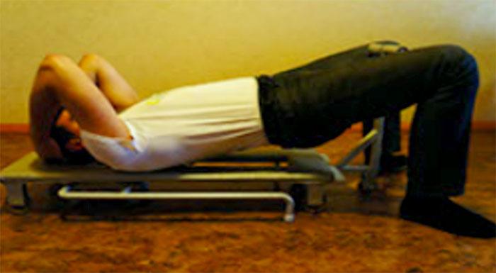 Положение тела при массаже шеи на массажере-тренажере MAST