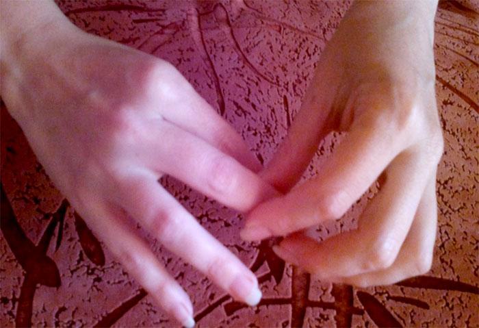 Массироваие пальцев рук