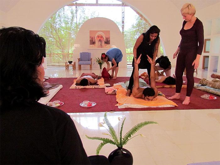 Школа мастера йоги Ма Кусум Модак