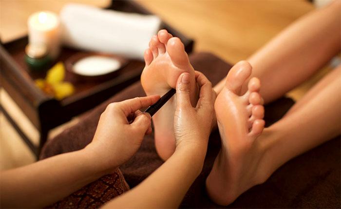 Точечный массаж бамбуковой палочкой