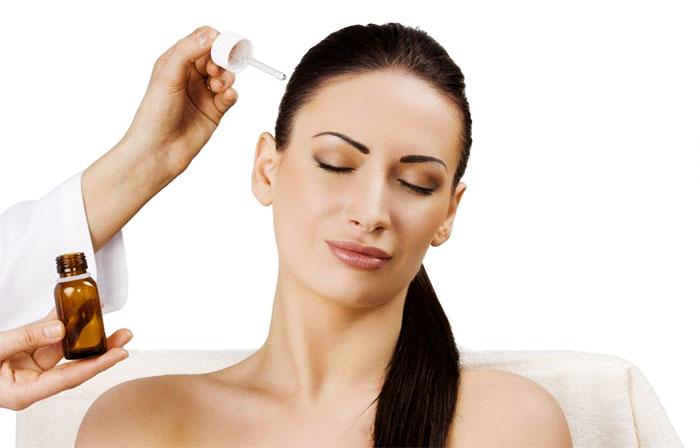 Нанесение витаминного комплекса на волосы