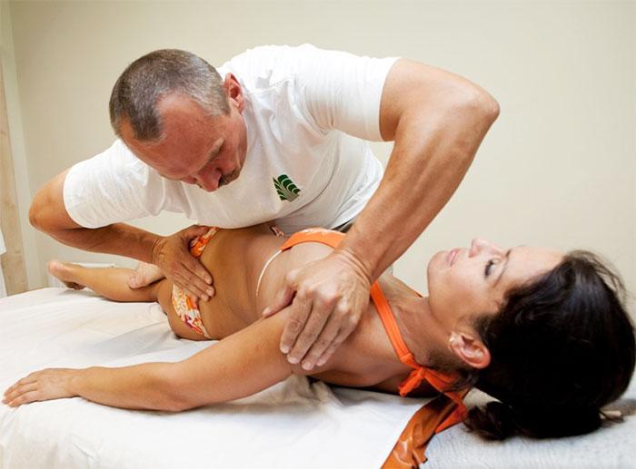 Прием мануальной терапии