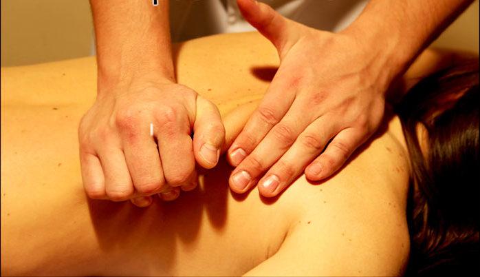 Разминание мышц при массаже