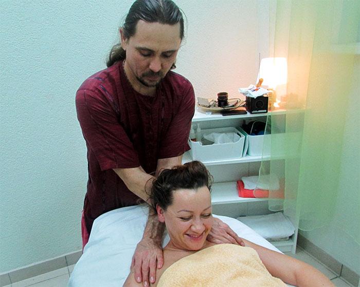 Сеанс испанского массажа