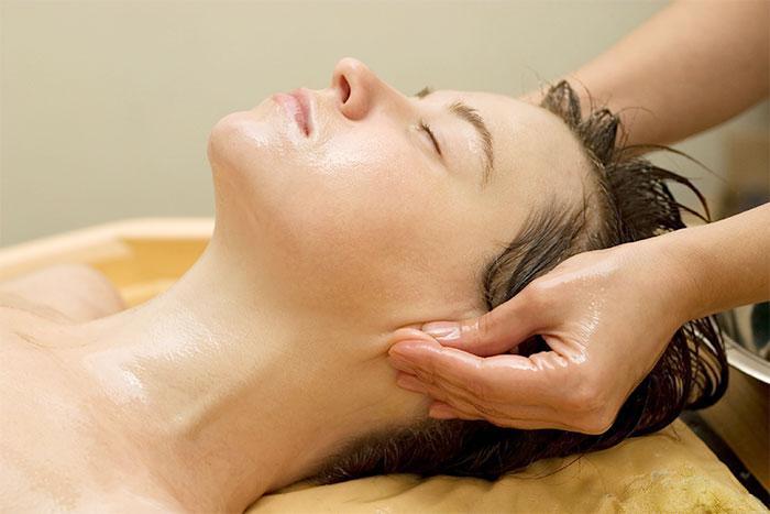 Масляный массаж ушей