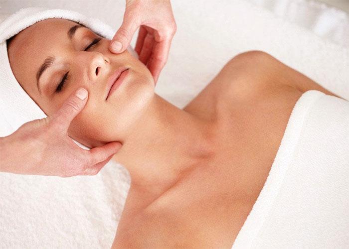 Процедура массажа лица