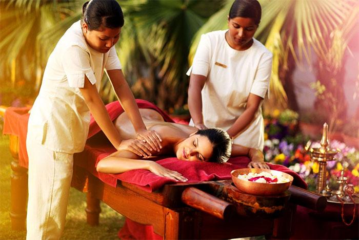 Выполнение массажа двумя массажистами