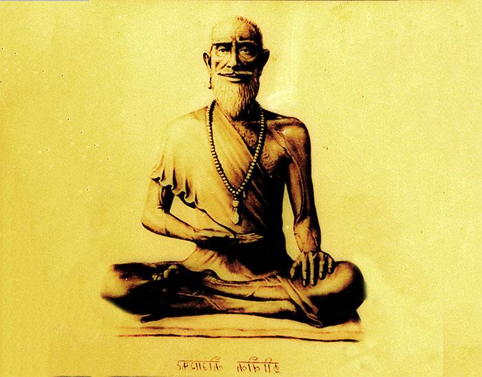 Статуя буддийского монаха