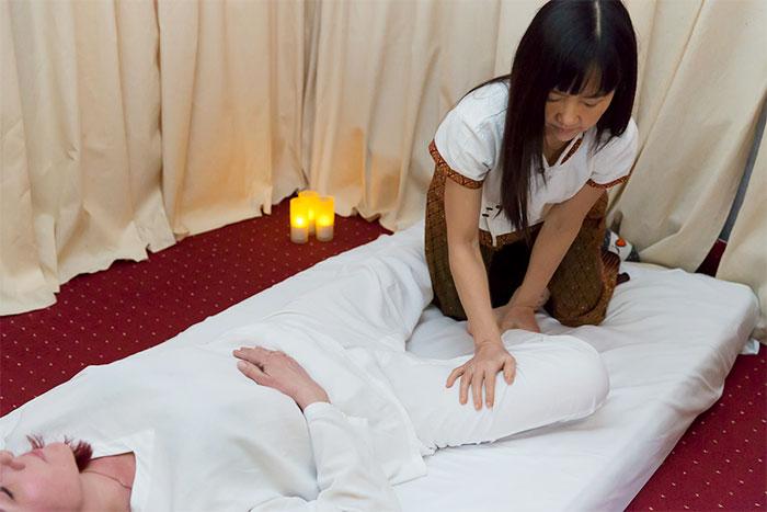 Элемент тайского массажа