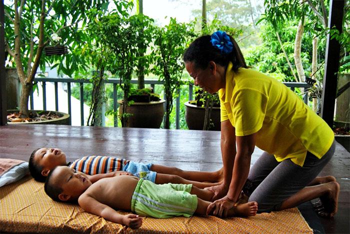 Детский массаж в Тайланде