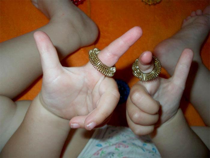 Пальчиковые игры с кольцом су-джок