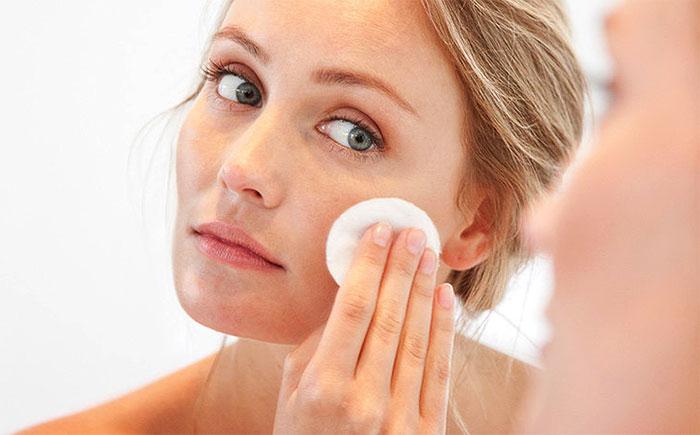 Очистка лица от макияжа