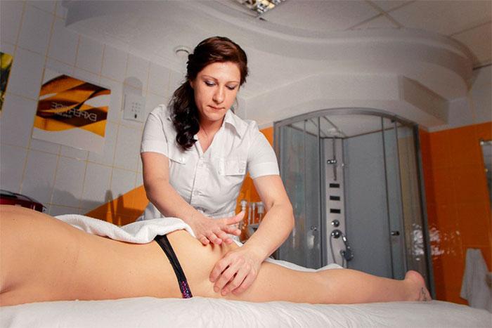 Липолитический антицеллюлитный массаж в салоне